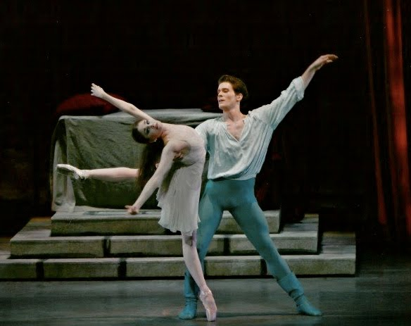 Kathryn Morgan in Romeo and Juliet with Seth Orza