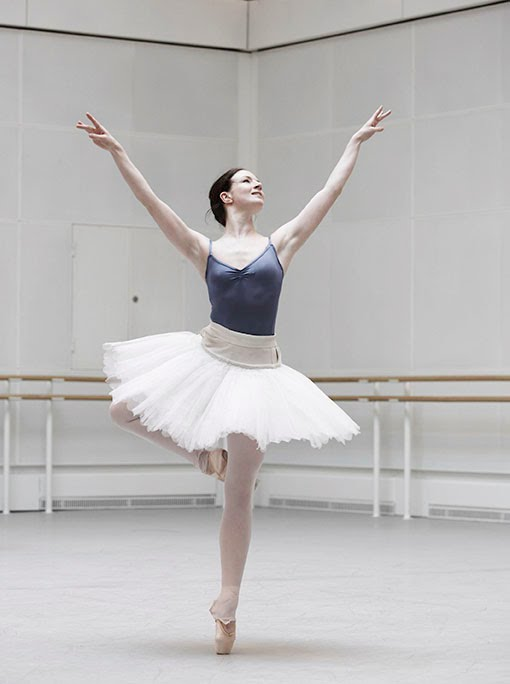 Royal Ballet Principal Lauren Cuthbertson (who has been off stage due to illness since last summer)