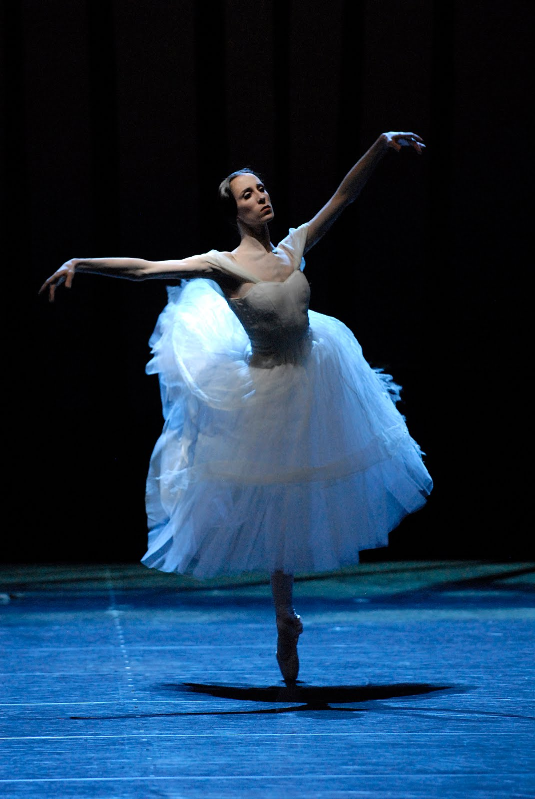 Itziar mendizabal is a dancer with the royal ballet ballet news