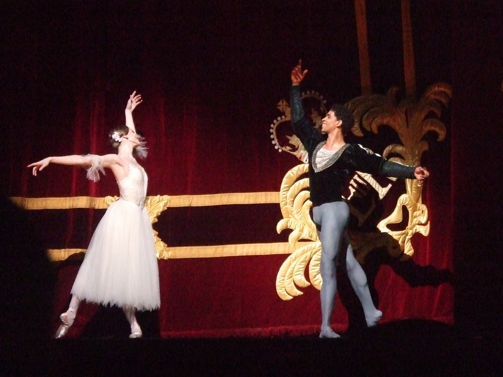 Royal Ballet dancers in Giselle