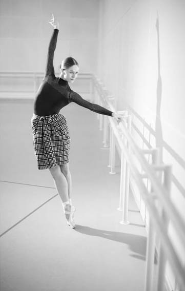 Ballet NEWS Photograph :  Paul Smith courtesy of the Royal Opera House
