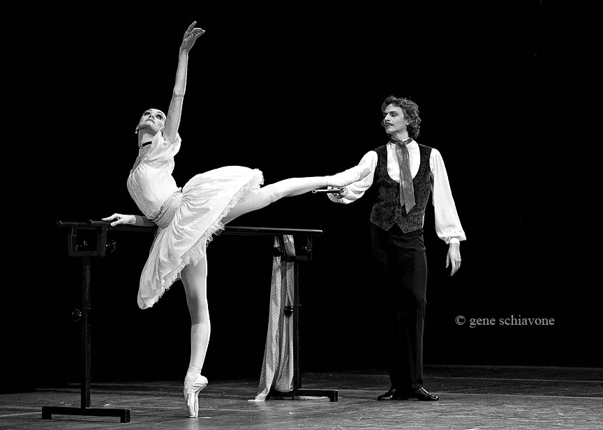 Lopatkina and Shemiunov in Pavlova and Cecchetti
