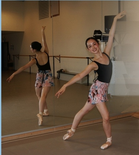 ballet dancer in a Tulip skirt