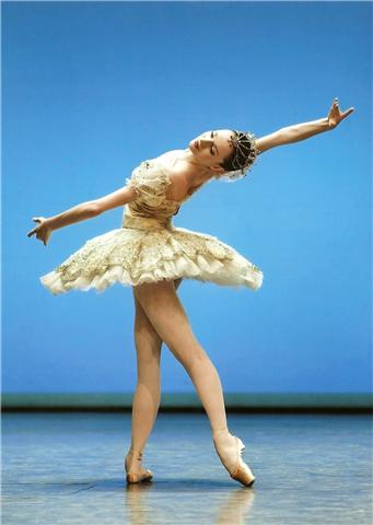 ballet dancer on stage