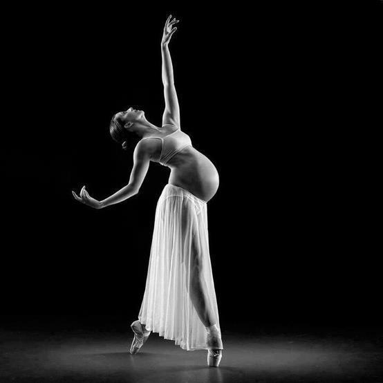 pregnant ballet dancer