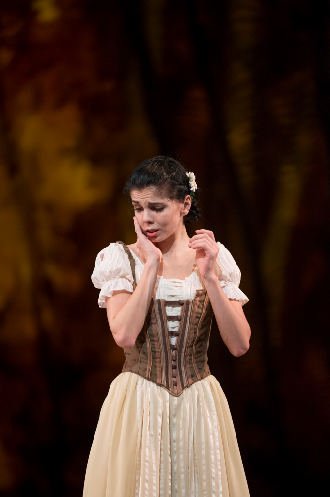 Natalia Osipova as Giselle. © ROH / Bill Cooper 2013