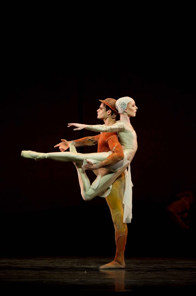 Sarah Lamb and Thiago Soares in Gloria. Photograph Bill Cooper, courtesy ROH
