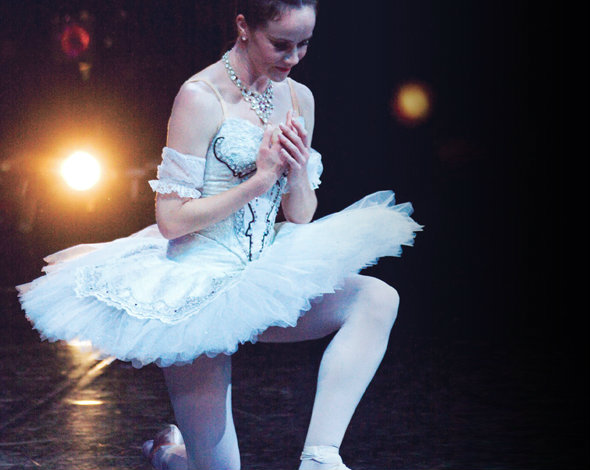 Lucinda Dunn in Cinderella. Photography Lynette Wills